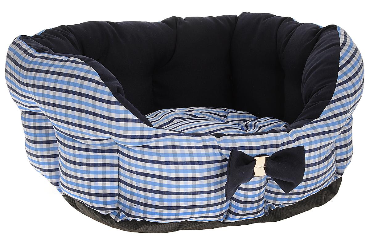 Лежак для собак и кошек Зоогурман Каприз, цвет: синий, белый, голубой, диаметр 45 см2168_клетка/синий, белый, голубойМягкий и уютный лежак для кошек и собак Зоогурман Каприз обязательно понравится вашему питомцу. Лежак выполнен из нежного, приятного материала. Внутри - мягкий наполнитель, который не теряет своей формы долгое время. Внутри лежака теплый, съемный матрасик. Высокие борта лежака обеспечат вашему любимцу уют и комфорт. За изделием легко ухаживать, можно стирать вручную или в стиральной машине при температуре 40°С. Материал: микроволоконная шерстяная ткань. Наполнитель: гипоаллергенное синтетическое волокно. Наполнитель матрасика: шерсть. Диаметр: 45 см. Внутренний диаметр: 33 см. Высота бортиков: 18 см.