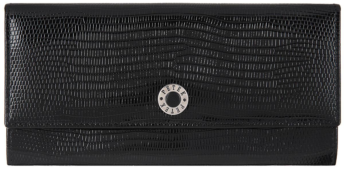 Портмоне женское Petek 1855, цвет: черный. 301.173.01301.173.01 BlackСтильное женское портмоне Petek выполнено из натуральной лакированной кожи с тиснением под рептилию и оформлено металлической фурнитурой с символикой бренда. Изделие закрывается на кнопку и содержит одно основное отделение. Внутри расположены: одно отделение для купюр, три накладных кармана, два накладных сетчатых кармана для пластиковых карт. Снаружи, в тыльной стенке изделия, расположен врезной карман на молнии. Изделие поставляется в фирменной упаковке. Кошелек Petek станет отличным подарком для человека, ценящего качественные и практичные вещи.