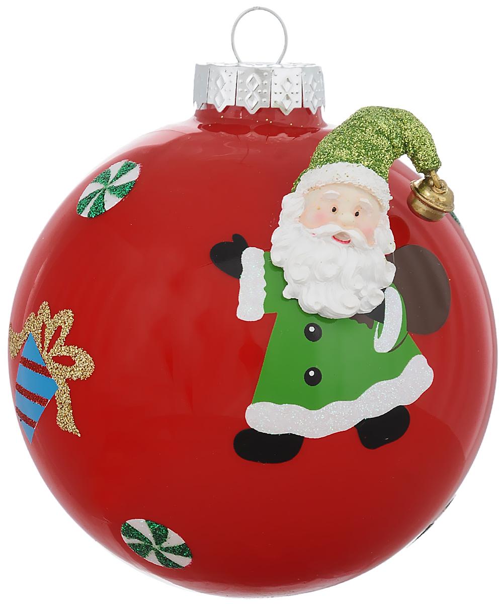 Новогоднее подвесное украшение Its a Happy Day Шар. Дед Мороз с подарком, цвет: красный, зеленый, белый, диаметр 10 см66524Новогоднее подвесное украшение Its a Happy Day Шар. Дед Мороз с подарком выполнено из высококачественного стекла в форме шара и оформлено объемной фигуркой. С помощью специальной петельки украшение можно повесить в любом понравившемся вам месте. Но, конечно, удачнее всего оно будет смотреться на праздничной елке. Елочная игрушка - символ Нового года. Она несет в себе волшебство и красоту праздника. Создайте в своем доме атмосферу веселья и радости, украшая новогоднюю елку нарядными игрушками, которые будут из года в год накапливать теплоту воспоминаний.