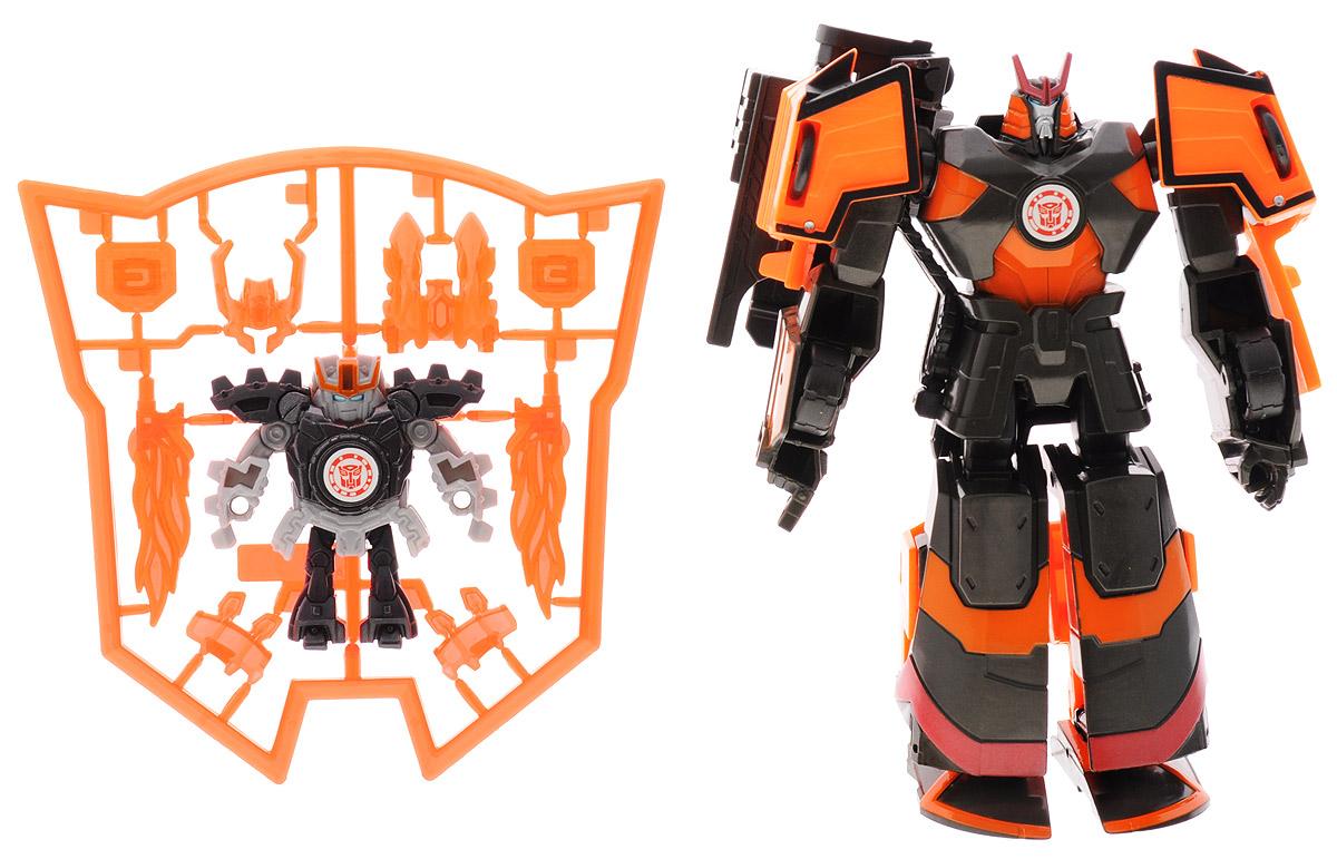 Transformers Трансформер Robots In Disguise Autobot Drift & JetstormB0765EU4_B1976Фигурки Transformers Robots In Disguise Autobot Drift & Jetstorm обязательно понравятся любому маленькому поклоннику знаменитых Трансформеров! Фигурки выполнены из прочного пластика в виде трансформеров Drift и Jetstorm. Руки и ноги фигурок подвижны. В 7 простых шагов малыш сможет трансформировать фигурку робота в машину. Фигурки отличаются высокой степенью детализации. Ребенок с удовольствием будет играть с фигурками, придумывая разные истории. Порадуйте его таким замечательным подарком!