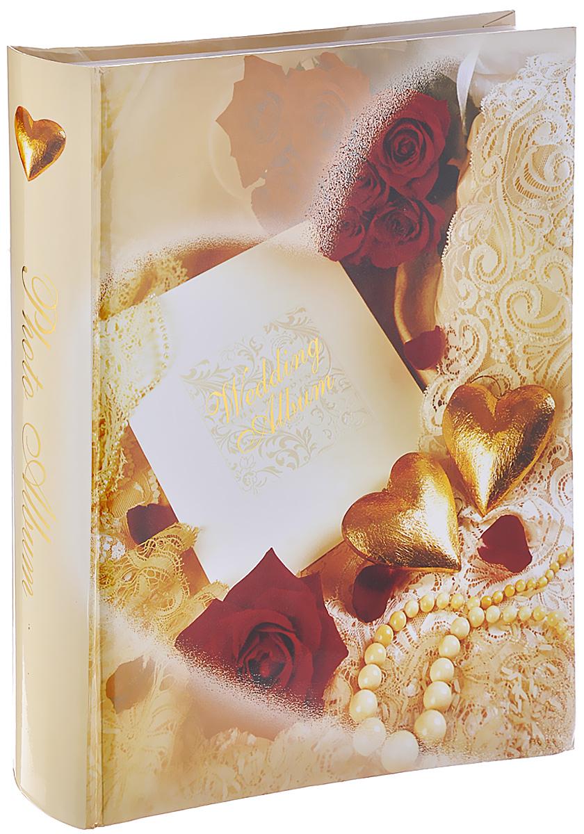 Фотоальбом Pioneer Merry Wedding, 250 фотографий, 10 х 15 см, 15 х 20 см, 20 х 30 см9776 COMBI-250CPPBBФотоальбом Pioneer Merry Wedding позволит вам запечатлеть незабываемые моменты своей жизни, сохранить свои истории и воспоминания на его страницах. Обложка, выполненная из толстого картона, оформлена ярким изображением. Альбом рассчитан на 250 фотографий: 10 фотографий форматом 20 см x 30 см, 60 фотографий форматом 15 см x 20 см и 180 фотографий форматом 10 см х 15 см. Переплет - книжный. Нам всегда так приятно вспоминать о самых счастливых моментах жизни, запечатленных на фотографиях. Поэтому фотоальбом является универсальным подарком к любому празднику. Размеры фотографий: 10 см х 15 см; 15 см х 20 см; 20 см х 30 см.