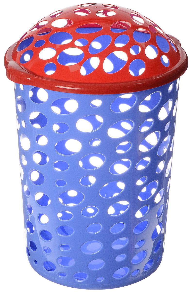 Корзина универсальная Альтернатива Сорренто, цвет: синий, красный, 45 лМ1886_синий, красныйУниверсальная корзина Альтернатива Сорренто, изготовленная из прочного пластика, оформлена овальной перфорацией. Корзина идеально подходит как для хранения белья, так и детских игрушек. Изделие оснащено откидной крышкой. Элегантный дизайн подойдет к интерьеру любой комнаты. Объем: 45 л. Диаметр корзины (по верхнему краю): 39 см. Высота (без учета крышки): 49 см.