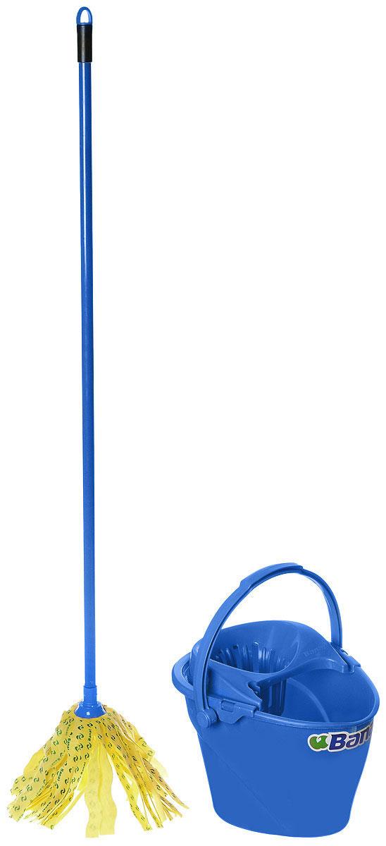 Набор для уборки Banat Color, цвет: синий, 2 предмета780209_синийНабор для уборки Banat Color состоит из ведра с отжимом и швабры. Ленточный моп изготовлен из вискозы, которая отличается хорошей впитывающей способностью и прочностью. Полоски из вискозного полотна превосходно впитывают воду и грязь, идеальны для мытья пола из керамической плитки и пола с деревянным покрытием. Благодаря специальной поглощающей структуре швабра не оставит разводов и обеспечит превосходную чистоту. Изделие легко промывается в воде. Рукоятка изготовлена из металла с цветным покрытием. Снабжена отверстием для подвеса. Имеет стандартную резьбу, подходящую к большинству видов насадок. Ведро изготовлено из прочного пластика. Изделие имеет специальную форму, позволяющую удобно выливать жидкость. Для переноски предусмотрена прочная широкая ручка. Яркий красивый многофункциональный набор для уборки дома. Длина полосок швабры: 21 см. Длина рукоятки: 120 см. Объем ведра: 12 л. Размер ведра:...