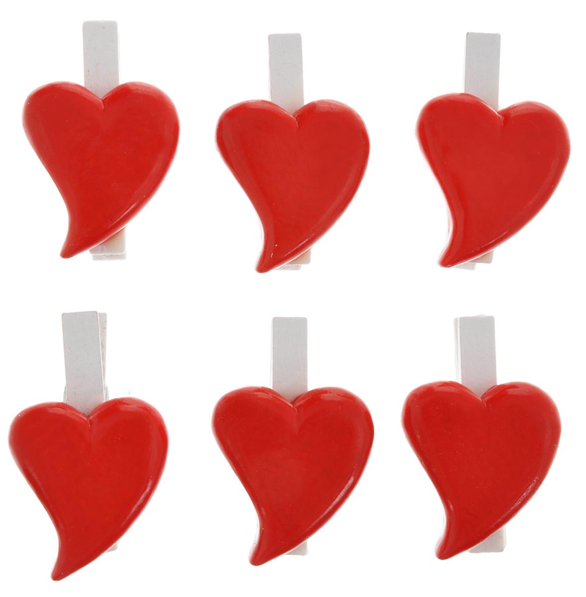 Набор декоративных прищепок Феникс-презент Влюбленные сердечки, 6 шт36936Набор Феникс-презент Влюбленные сердечки состоит из 6 декоративных прищепок, выполненных из дерева. Прищепки оформлены фигурками из полирезины в виде сердец. Изделия используются для развешивания стикеров на веревке и маленьких игрушек, а оригинальность и веселые цвета прищепок будут радовать глаз и поднимут настроение. Такой набор станет прекрасным дополнением к оформлению вашего интерьера. Длина прищепки: 4,5 см. Размер фигурки: 3,5 см х 3 см х 0,7 см.