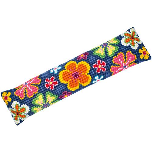 Набор для вышивания подушки крестом Vervaco Цветы, 80 х 20 см7712277Набор для вышивания Vervaco Цветы поможет вам создать свой личный шедевр - красивую декоративную подушку, вышитую на канве в технике счетный крест. Такая картина станет прекрасной заготовкой для декоративной подушки, которая будет выглядеть всегда стильно и модно. Вышивание отвлечет вас от повседневных забот и превратится в увлекательное занятие! Работа, сделанная своими руками, создаст особый уют и атмосферу в доме и долгие годы будет радовать вас и ваших близких, а подарок, выполненный собственноручно, станет самым ценным для друзей и знакомых. В состав набора входит: - страмин с нанесенным рисунком (100% хлопок), - толстая пряжа (100% акрил) 12 цветов, - игла, - инструкция на русском языке. Размер страмина: 31,5 см х 88 см. УВАЖАЕМЫЕ КЛИЕНТЫ! Обращаем ваше внимание, на тот факт, что оборотная сторона подушки и наполнитель в комплект не входит, а служит для визуального восприятия товара.