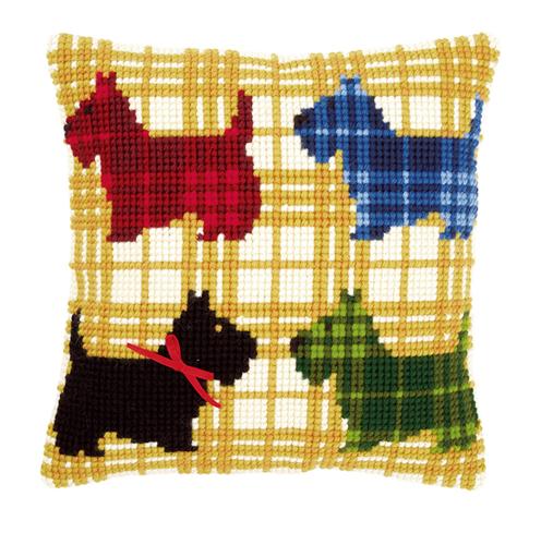 Набор для вышивания подушки Vervaco Разноцветные собачки с бантиком, 40 см х 40 см7713336Набор для вышивания Vervaco Разноцветные собачки с бантиком поможет вам создать свой личный шедевр - красивую декоративную подушку, вышитую на канве в технике печатный крест. Такая картина станет прекрасной заготовкой для декоративной подушки, которая будет выглядеть всегда стильно и модно. Вышивание отвлечет вас от повседневных забот и превратится в увлекательное занятие! Работа, сделанная своими руками, создаст особый уют и атмосферу в доме и долгие годы будет радовать вас и ваших близких, а подарок, выполненный собственноручно, станет самым ценным для друзей и знакомых. В состав набора входит: - страмин с нанесенным цветным рисунком (100% хлопок), - толстая пряжа акрил (12 цветов), - игла, - инструкция на русском языке. Размер страмина: 44 см х 48 см. УВАЖАЕМЫЕ КЛИЕНТЫ! Обращаем ваше внимание, на тот факт, что оборотная сторона подушки и наполнитель в комплект не входит, а служит для ...