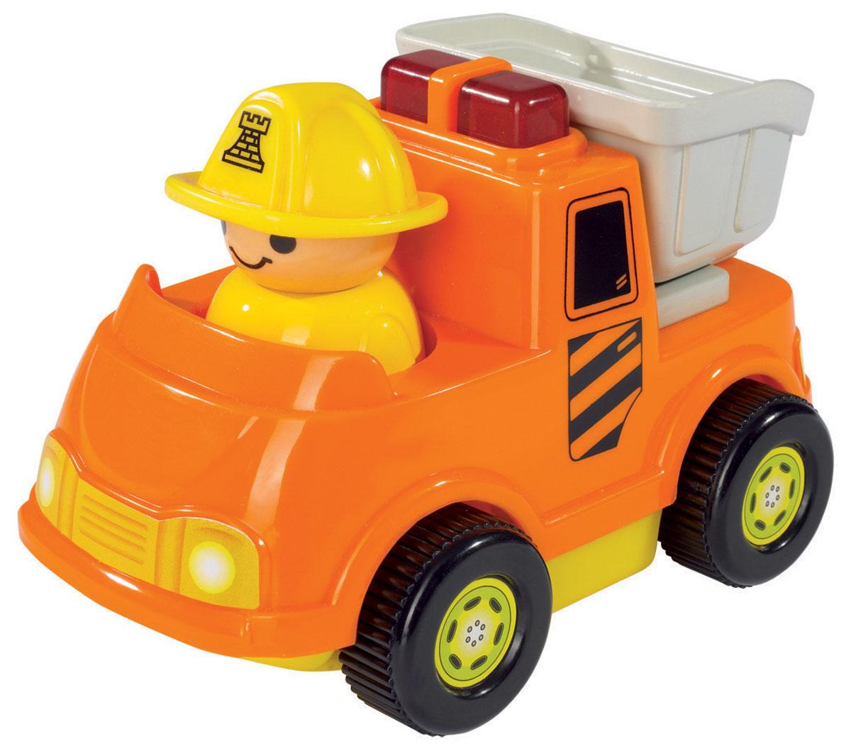 Simba Мини-машинка цвет оранжевый4019623_оранжевыйОчаровательная мини-машинка Simba обязательно придется по душе вашему малышу. Игрушка представлена в виде яркой машинки с человечком в желтой каске. Машинка не имеет острых углов и мелких деталей и идеально подходит для детей от 12 месяцев. При нажатии на кнопу, находящуюся на кузове, машинка издает звуки сирены и мигает, а при движении фигурка человечка начинает покачиваться из стороны в сторону. Такая игрушка способствует развитию у малыша тактильных ощущений, мелкой моторики рук и координации движений. Рекомендуется докупить 2 батарейки напряжением 1,5V типа АА (товар комплектуется демонстрационными).