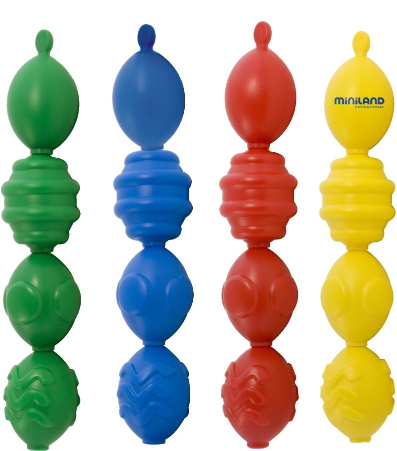 Miniland Конструктор развивающая цепь Блоки (16 элементов)27363Игрушка для детей от 2 до 5 лет  Игрушка выполнена из экологически чистой пластмассы. В комплект входит 16 детали по 4 детали определенного цвета (желтый, синий, зеленый, красный) и по 4 детали с определенным рельефным узором (гладкий, в рельефную полоску, в рельефную волну и в рельефный кружочек) .В комплект также входят карточки, на которых предложено 12 вариантов узоров из различных комбинаций деталей, которые ребенок может использовать как образец. Игрушка способствует: - развитию мелкой моторики - запоминанию основных цветов - развитию навыков выполнения целевых действий с предметами - сенсорному развитию (тактильного и зрительного восприятия) - развитию произвольности, умения следовать образцу - развитию воображения -формированию элементарных математических представлений -развитию логического мышления Рекомендации для взрослых. Обратите внимание ребенка на детали, покажите, как они крепятся друг к другу. Предложите сделать это самому ребенку. Сначала ребенок может сам выбирать...