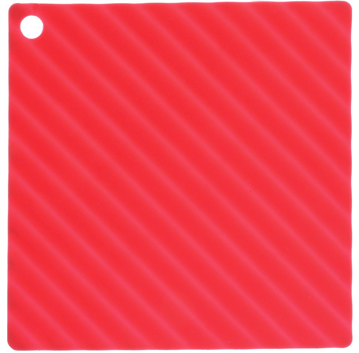 Подставка под горячее Marmiton, цвет: розовый, 14,5 см х 14,5 см11055Подставка под горячее Marmiton изготовлена из силикона, что позволяет ей выдерживать высокие температуры и не царапать поверхность стола. Материал устойчив к фруктовым кислотам, к воздействию низких и высоких температур. Не взаимодействует с продуктами питания и не впитывает их запахи как при нагревании, так и при заморозке. Использовать при температуре от - 40°C до +240°C. Изделие можно мыть и сушить в посудомоечной машине. Такая подставка придется по вкусу человеку, ценящему практичные и оригинальные вещицы.