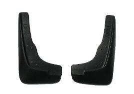 Комплект брызговиков передних L.Locker, для Suzuki Kizashi (09-), 2 шт7012072151Брызговики L.Locker изготовлены из высококачественного полимера. Уникальный состав брызговиков допускает их эксплуатацию в широком диапазоне температур: от -50°С до +80°С. Эффективно защищают кузов автомобиля от грязи и воды - формируют аэродинамический поток воздуха, создаваемый при движении вокруг кузова таким образом, чтобы максимально уменьшить образование грязевой измороси, оседающей на автомобиле. Разработаны индивидуально для каждой модели автомобиля, с эстетической точки зрения брызговики являются завершением колесной арки.