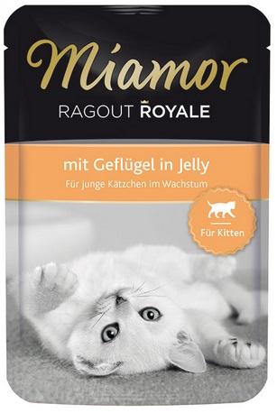 Консервы для котят Миамор Королевское Рагу с птицей в желе, 100 г74058Миамор королевское рагу - это нежные кусочки, приготовленные в изысканном желе. Производятся по особой щадящей технологии для сохранения витаминов с высокой долей мяса домашних животных. Миамор - это полноценный повседневный корм для котят, который очень легко усваивается. Не содержит сои, красителей и ароматизаторов, за то содержит множество полезных веществ, например магний, который необходим для здоровья котят. Условия хранения: комнатная температура в закрытом виде, после вскрытия до 2 дней в холодильнике. Особенности: Натуральные компоненты; Без сои, красителей, ароматизаторов, костной муки; Без консервантов Состав: Птица;Витамины