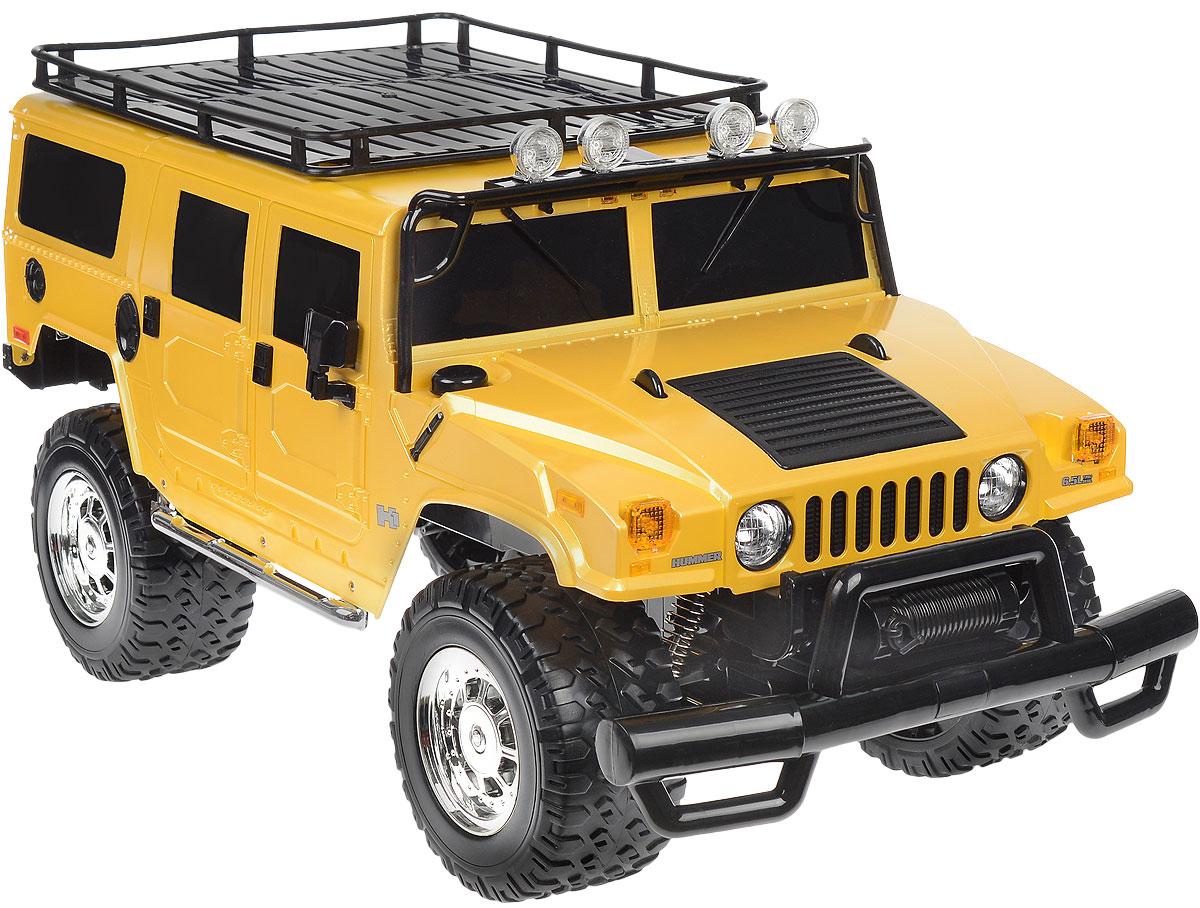Rastar Радиоуправляемая модель Hummer H1 Suv цвет желтый28600_желтыйРадиоуправляемая модель Rastar Hummer H1 Suv станет отличным подарком любому мальчику! Все дети хотят иметь в наборе своих игрушек ослепительные, невероятные и крутые автомобили на радиоуправлении. Тем более, если это автомобиль известной марки с проработкой всех деталей, удивляющий приятным качеством и видом. Одной из таких моделей является автомобиль на радиоуправлении Rastar Hummer H1 Suv. Это точная копия настоящего авто в масштабе 1:6. Возможные движения: вперед, назад, вправо, влево, остановка. Имеются световые эффекты. Пульт управления работает на частоте 40 MHz. Игрушка работает на сменном аккумуляторе (входит в комплект). Для работы пульта управления необходима 1 батарейка 9V (6F22) (не входит в комплект).