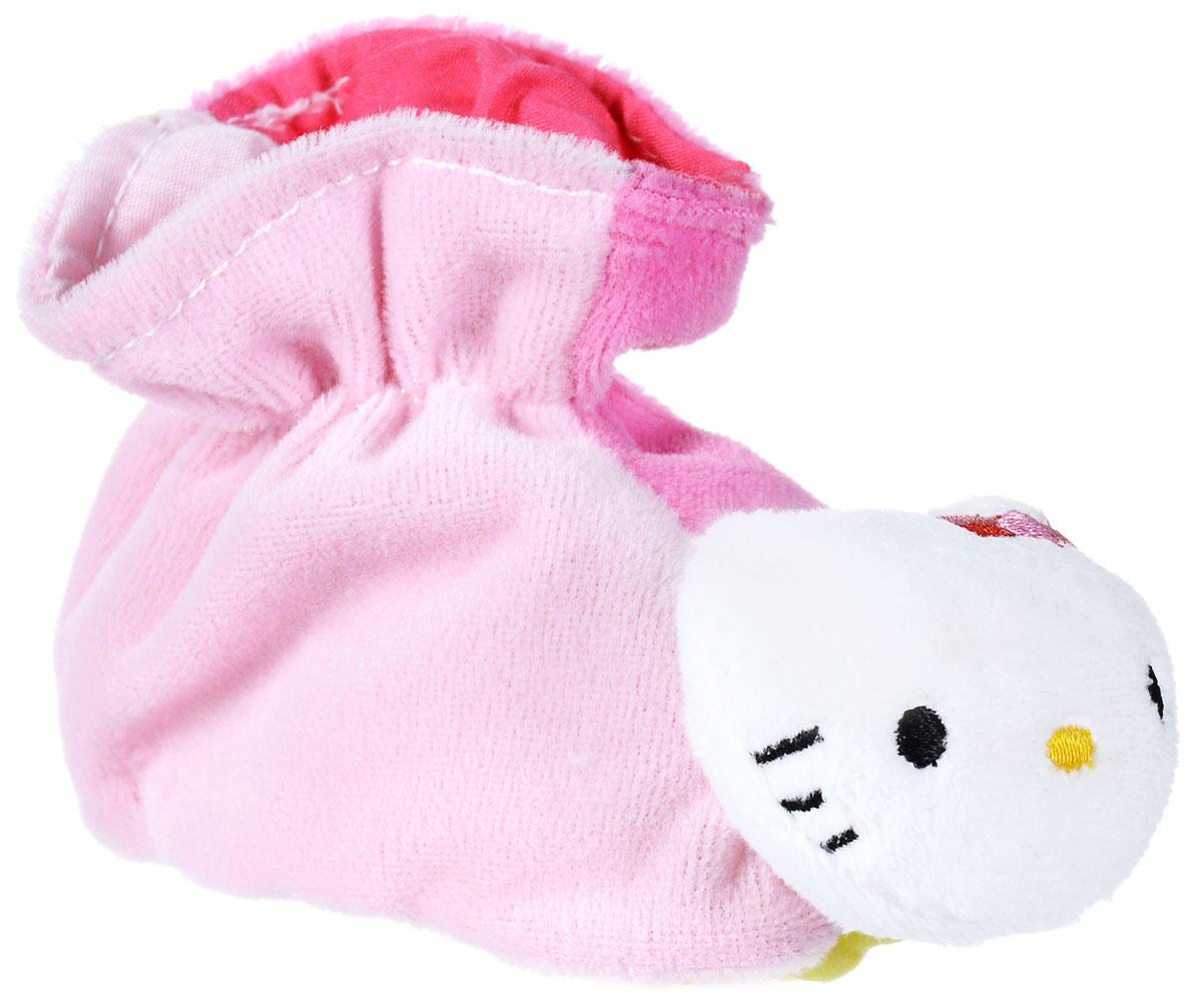 Hello Kitty Игрушка-погремушка Тапочки цвет розовый4014804_розовый_розовыйИгрушка-погремушка Hello Kitty Тапочки - милая погремушка, выполненная в стиле Hello Kitty, которая обязательно понравится малышке. Ребенок будет с удовольствием рассматривать свою первую и очень забавную игрушку. Погремушка изготовлена из мягкой, приятной на ощупь ткани в виде забавных тапочек. Носы тапочек выполнены в виде головки котенка Hello Kitty. Длина тапочка 12 см.