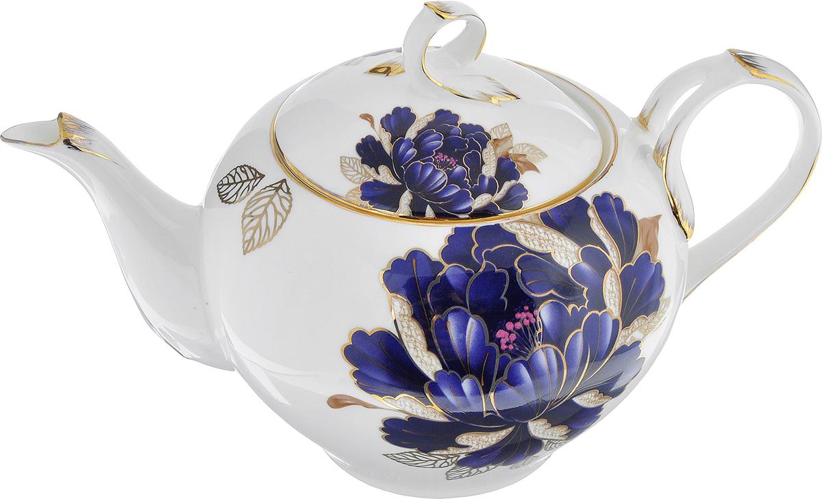 Чайник заварочный Lillo Синий пион, 1 л216142Заварочный чайник Lillo Синий пион изготовлен из высококачественного фарфора. Чайник украшен изображением синего пиона и золотистой эмалью. Изделие имеет изысканную форму и потрясающий утонченный дизайн. Идеально подойдет для домашнего праздничного чаепития. Диаметр (по верхнему краю): 10 см. Диаметр основания: 7 см. Высота чайника (без учета крышки): 10,5 см.