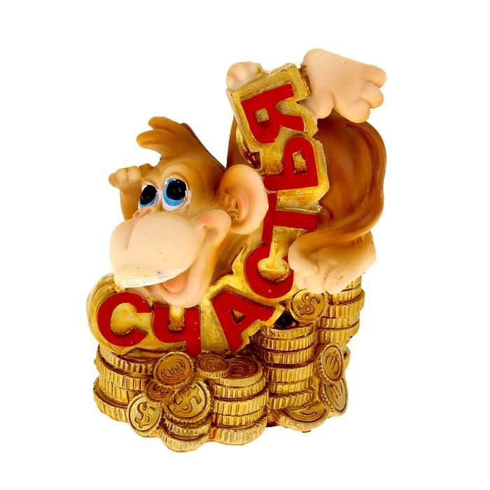 Копилка Sima-land Веселая обезьянка с монетами. Счастья1057306Копилка Sima-land Веселая обезьянка с монетами. Счастья - отличный сувенир вашим друзьям и близким. Изделие выполнено из полистоуна в виде веселой обезьянки на монетах. С задней стороны имеется прорезь для монет. На дне расположен резиновый клапан, который позволяет легко доставать монетки. В год Обезьяны такой символ будет как раз актуален, стоит расположить его на самой видной полочке, чтобы он привлекал внимание. Копилка - отличный подарок, подчеркивающий яркую индивидуальность того, кому он предназначается. Некоторые вещи мы вряд ли когда-то купим себе сами. Но, будучи подаренными друзьями или родными, они доставляют нам массу удовольствия.