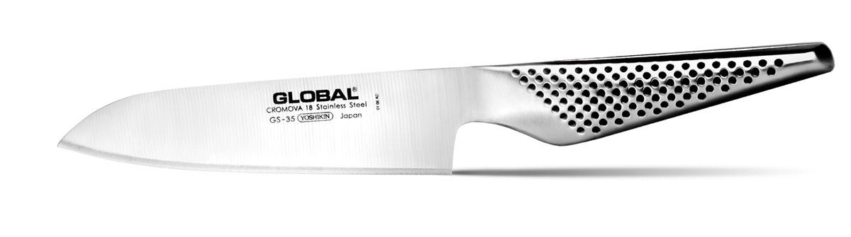 Нож кухонный Global Santoku, длина лезвия 13 смGS-35Бренд Global выбор многих поваров со всего мира, ножи этого производителя известны своей универсальностью и исключительной ловкостью. Отличительной чертой японских ножей Global являются их рукоятки и уникальная бесшовная конструкция. Рукоятки и лезвия изготовлены из одного, цельного полотна нержавеющей стали, что делает ножи максимально гигиеничными и прочными. На них не скапливается грязь, и их очень легко мыть. Покрытие рукоятки специальными ямочками-впадинами, обеспечивает удобный и надежный захват. Лезвие изготовлено из специального материала Cromova 18 Sanso, который состоит из трех слоев нержавеющей стали (центрального и двух боковых). Центральный слой режущей поверхности сделан из нержавеющей стали Cromova 18 (хром, молибден, ванадий) с твердостью по шкале Роквелла 58-59 единиц и заточен к острому краю, что дает удивительные результаты при резке. Этот слой заключен между двумя боковыми слоями более мягкой нержавеющей стали SUS 410, что помогает защитить лезвие от...