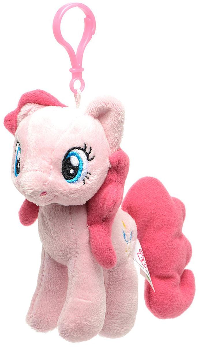 My Little Pony Мягкая игрушка-брелок Pinkie Pie 13 смK30025AБрелок My Little Pony Pinkie Pie обязательно привлечет внимание вашей дочурки. Изделие изготовлено из приятных на ощупь и безопасных для ребенка материалов в виде пони. Пластиковый карабин позволит закрепить брелок на сумке. Пони будет красиво смотреться на сумочке маленькой принцессы. Это прекрасный выбор для ребенка.
