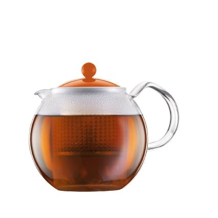 Чайник заварочный Bodum Assam, с фильтром, цвет: оранжевый, 1 лA1830-116-Y15Заварочный чайник Bodum Assam изготовлен из высококачественного стекла, пластика и нержавеющей стали. Изделие оснащено фильтром, благодаря которому задерживает чаинки и предотвращает попадание их в чашку. Прозрачный корпус обеспечивает легкую очистку. Чайник поможет заварить крепкий ароматный чай и великолепно украсит стол к чаепитию. Можно мыть в посудомоечной машине.