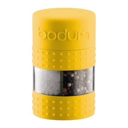Мельница для соли и перца Bodum Bistro, цвет: желтыйA11368-957-Y15Мельница для соли и перца Bodum Bistro, выполненная из прозрачного стекла и пластика, резины и металла, позволяет солить и перчить одновременно - это превосходное партнерство. В верхней части мельницы имеется силиконовая вставка. Мельница легка в использовании: одним поворотом силиконовой части мельницы приспособление переключается с солонки на перечницу, и вы сможете поперчить или добавить соль по своему вкусу в любое блюдо. Прочный керамический механизм позволяет молоть практически без усилий. Благодаря прозрачной конструкции легко определить, когда соль или перец заканчиваются. Оригинальная мельница модного дизайна будет отлично смотреться на вашей кухне.