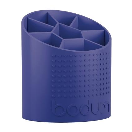 Подставка для столовых приборов Bodum Bistro, цвет: синий, 15 х 13 х 17,5 смA11551-528-Y15Подставка для столовых приборов Bodum Bistro, выполненная из высококачественного пластика, станет полезным приобретением для вашей кухни. Подставка имеет восемь отделения для разных видов столовых приборов. Изделие оформлено рельефной поверхностью. Она имеет прорезиненные фиксаторы, которые не дадут скользить на поверхности. Красивая подставка для столовых приборов украсит любую кухню. Хорошо впишется в интерьер. Не займет много места, а столовые приборы будут всегда под рукой. Размер подставки: 15 х 13 х 17,5 см.