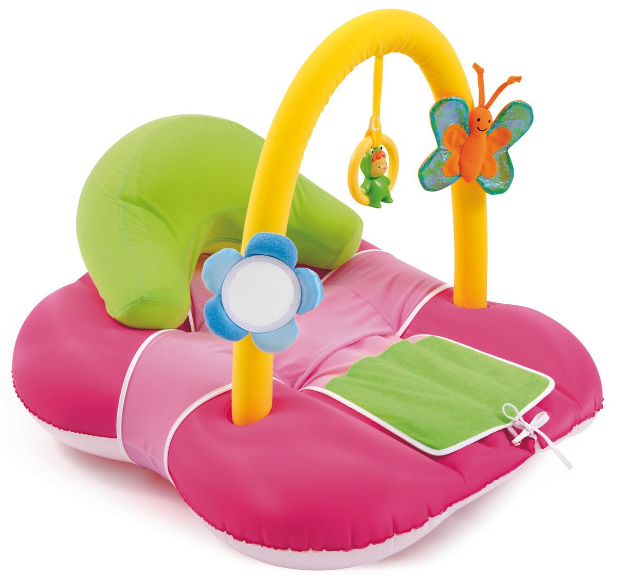 Smoby Коврик надувной Evolutiv Cocoon цвет розовый211279_розовыйКоврик надувной Smoby Evolutiv Cocoon, произведенный из высокопрочных материалов, окрашенный нетоксичными красками, предназначен для детей с рождения. Изделие представляет собой надувной коврик с приятным тканевым покрытием, со съемной мягкой дугой с 3 игрушками. На дуге закреплены: цветочек-зеркальце на липучке, в которое малыш сможет изучать себя более детально, колечко-погремушка с персонажем Cotoons, которое может служить прорезывателем и бабочка на липучке с шуршащими крылышками. Пока малыш весело играет на ярком и красочном надувном коврике, мама может заняться своими делами. Ребенок может лежать, смотреть и трогать игрушки, закрепленные на дуге. Для детей с 8 месяцев на коврике предусмотрена надувная подушка, которую при необходимости можно надуть. Удобный коврик развивает хватательный рефлекс и моторику рук, тренирует зрительные, слуховые и тактильные функции, помогает при прорезывании зубов. Надувной коврик легко сдувается, не...