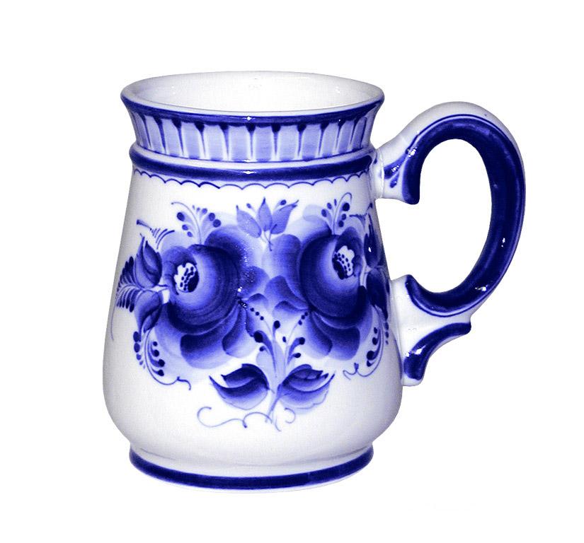 Кружка пивная Гжельские узоры, цвет: белый, синий, 900 мл930243052Пивная кружка Гжельские узоры изготовлена из высококачественной керамики белого цвета и оформлена оригинальной росписью в технике гжель. Такая пивная кружка превращает распитие пива в настоящий ритуал, а зауженная к верху форма кружки позволяет пиву дольше сохранять свой аромат. Пивная кружка Гжельские узоры это не просто емкость для пенного напитка, это еще оригинальный сувенир или прекрасный подарок для настоящего ценителя. Диаметр (по верхнему краю): 9,5 см. Диаметр основания: 9,5 см. Высота кружки: 15 см.