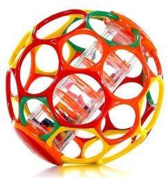 Oball Мячик с погремушкой цвет красный оранжевый зеленый81030Яркий гремящий мячик издает забавные звуки, стоит малышу его потрясти. Ажурный и легкий мячик имеет 30 крупных дырочек, что позволяет малышу удобно держать игрушку. В центре игрушки расположена прозрачная колба с разноцветными бусинками, которые при тряске издают негромкий звук. Мячик выполнен из гибкого пластика, приятный на ощупь, не имеет острых краев, полностью безопасен для крохи. Игрушка развивает мелкую моторику, зрение и слух малыша. Не содержит бисфенол А.