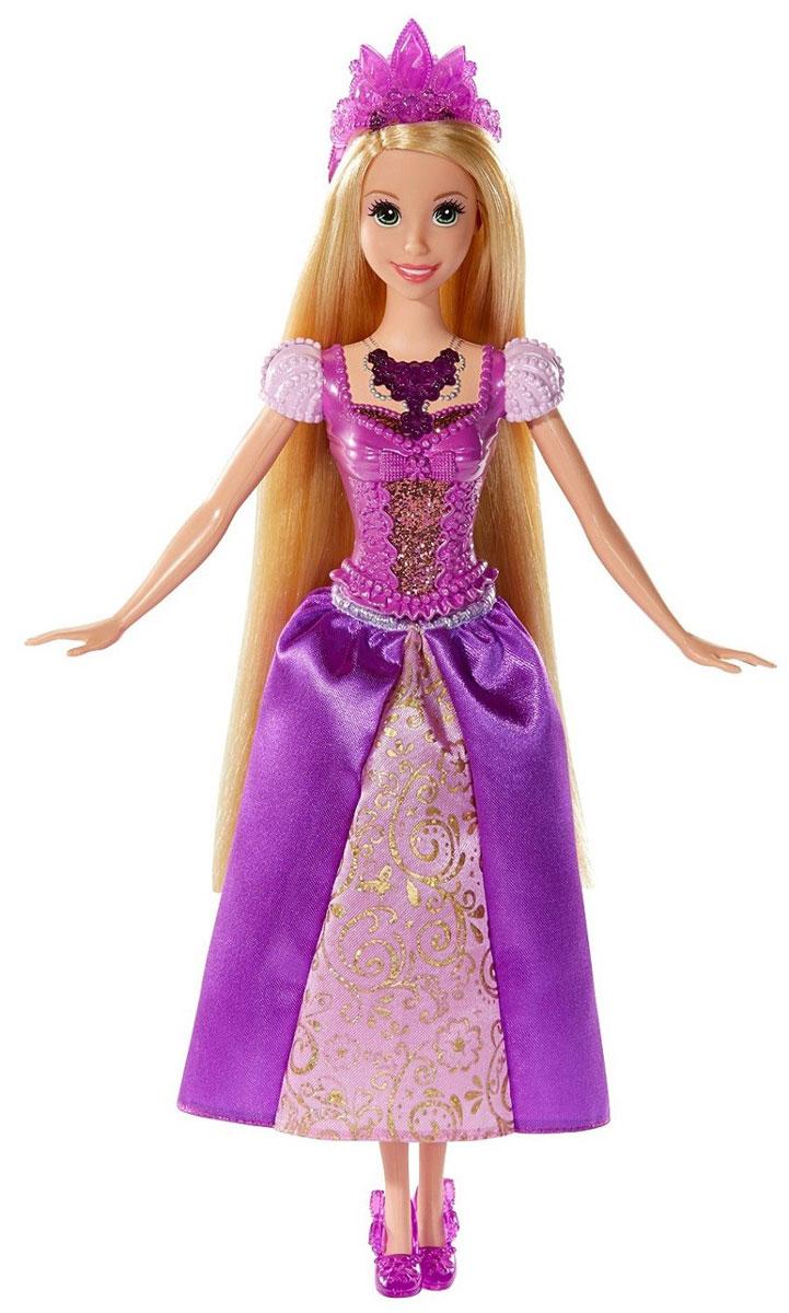 Disney Princess Кукла Ослепительные принцессы РапунцельBDJ22(BDJ23/24/25)Теперь ваши любимые Принцессы Диснея могут устраивать незабываемое световое шоу, куда бы они ни пошли! Ариэль, Золушка и Рапунцель - каждая завораживает своим блестящим платьем, дополненным специальной тиарой и роскошным колье с драгоценным камнем, которые сверкают и светятся! Кукла Disney Princess Рапунцель одета в шикарное фиолетовое платье с переливающимися золотыми узорами. Роскошные волосы Рапунцель украшает фиолетовая тиара, на груди - колье в тон тиаре. При нажатии на кнопку на колье оно и тиара засверкают разноцветными огоньками. Ваша малышка с удовольствием будет играть с этой куклой, проигрывая сюжеты из мультсериала или придумывая различные истории. Высота куклы: 27 см. Для работы игрушки необходимы 3 батарейки типа АG13 (товар комплектуется демонстрационными).