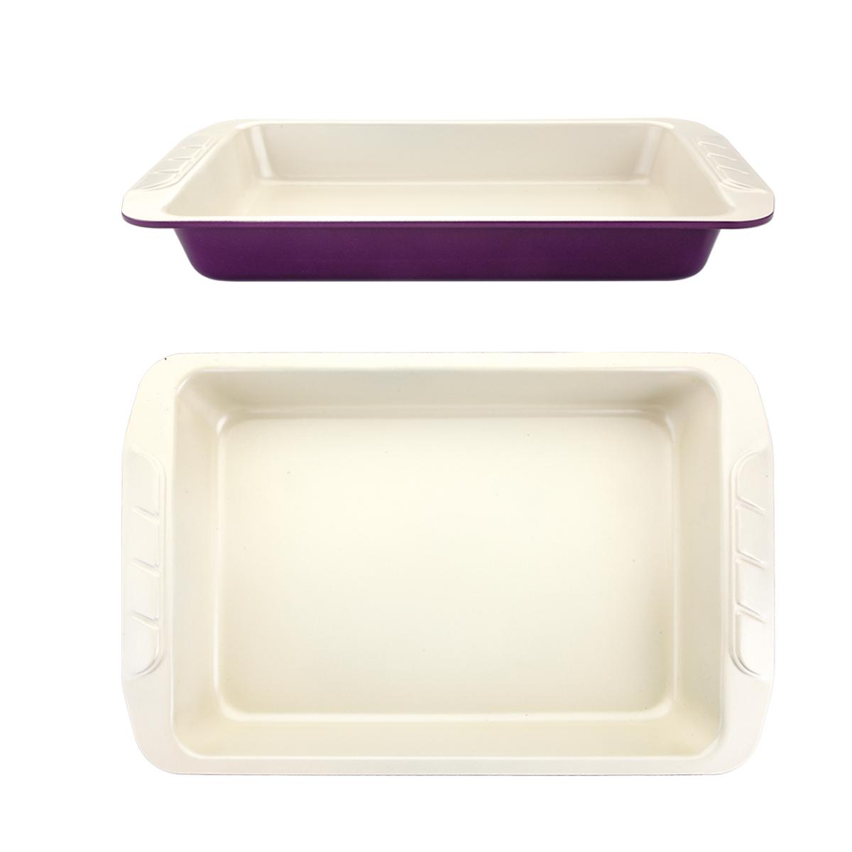 Форма для выпечки Augustin Welz, с керамическим покрытием, цвет: бежевый, фиолетовый, 40 х 25,5 х 5 смAW-2151Форма Augustin Welz будет отличным выбором для всех любителей домашней выпечки. Особое высокотехнологичное антипригарное покрытие обеспечивает моментальное снятие выпечки с противня, его легкую очистку после использования. В форме используется углеродистая сталь 0,8 мм с керамическим антипригарным покрытием без содержания политетрафторэтилена и перфтороктановой кислоты. Форма выдерживает температуру от 230°C - 450°C. Подходит для использования в духовке. Можно мыть в посудомоечной машине, не рекомендовано использование абразивных чистящих средств. Использовать только пластиковые, деревянные или силиконовые аксессуары. Для смазывания и присыпки противня следуйте рецепту или инструкции на упаковке полуфабрикатов. Не рекомендуется использовать кулинарные спреи. С такой формой вы всегда сможете порадовать своих близких оригинальной выпечкой.
