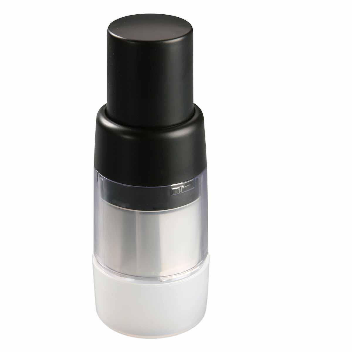 Мини-измельчитель для чеснока и орехов Dekok, со съемным контейнером, цвет: черный, прозрачный, белыйUKA-1514Мини-измельчитель Dekok изготовлен из высококачественного пластика. Предназначен для измельчения чеснока, лука, орехов, перца, грибов, зелени, овощей. Изделие оснащено специальным механизмом поворота Х-образных стальных ножей. В комплекте - пластиковый контейнер для хранения измельченных продуктов, защищающий руки от запаха чеснока и лука. Размер контейнера: 6,5 см х 6,5 см х 3,5 см.