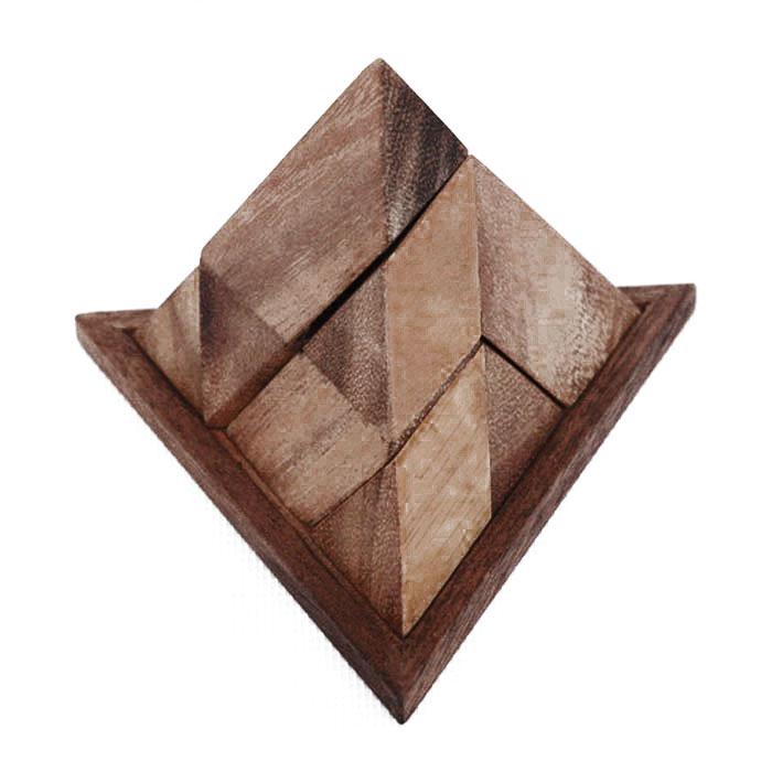 Dilemma Головоломка Заковыристая пирамида 9IQ516Головоломка Dilemma Заковыристая пирамида 9, выполненная из дерева, станет отличным подарком всем любителям головоломок! Необходимо собрать три разные детали в пирамиду. Сложно? Тогда воспользуйтесь предложенным решением в инструкции в качестве подсказки. Головоломка рассчитана на одного игрока. Головоломка Dilemma Заковыристая пирамида 9 стимулирует логику, пространственное мышление и мелкую моторику рук.