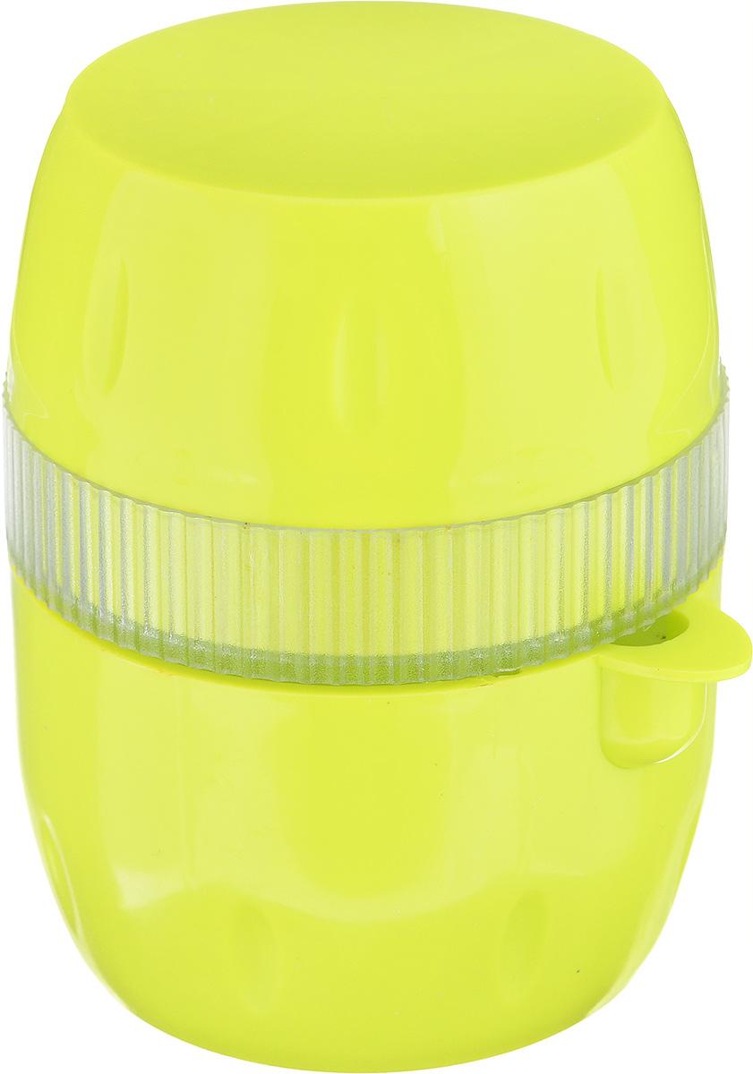 Соковыжималка Gjo Casa Лимончик, цвет: салатовый, прозрачный2233_желтый/салатовыйСоковыжималка Gjo Casa Лимончик, выполненная из высококачественного пластика, станет полезным аксессуаром на любой кухне. Она идеально подойдет для лимонов и цитрусовых фруктов. Достаточно нарезать фрукты дольками, положить в соковыжималку и покрутить крышку. Сок выливается через специальный носик. Простая и удобная в использовании соковыжималка Gjo Casa Лимончик займет достойное место среди кухонного инвентаря. Размер соковыжималки: 6,5 см х 7,5 см х 9 см.