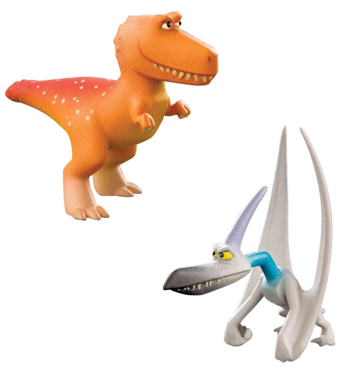 Хороший динозавр Набор фигурок Рамзи и Громоклюв62304Набор фигурок Хороший динозавр Рамзи и Громоклюв порадует юных любителей мультипликационного фильма Хороший динозавр. Мультфильм описывает увлекательные приключения динозавра Арло, который отправился спасать мир! Главарь бандитской шайки птерозавров Громоклюв - один из персонажей, который встретился ему на пути. Вместе со своими подручными он нападает на слабых. Но без отрицательных героев не получилось бы истории! В набор входит 2 фигурки героев: Рамзи и Громоклюв. Игрушки изготовлены из высококачественных нетоксичных материалов. Фигурки могут стать персонажами увлекательной сюжетно-ролевой игры, которая способствует умственному развитию ребенка. Манипуляции с ними будут развивать мелкую моторику рук и зрительную координацию движений.