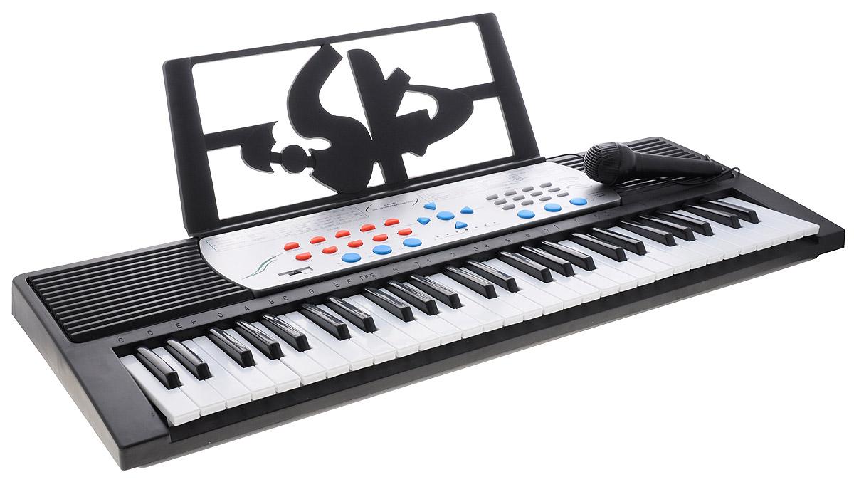 ABtoys Синтезатор DoReMi 54 клавиши с микрофоном D-00007D-00007Яркий синтезатор ABtoys DoReMi привлечет внимание малыша и доставит ему много удовольствия от часов, посвященных игре с ним. Синтезатор имеет 54 музыкальных клавиши и множество кнопок, позволяющих добавлять различные звуковые эффекты при составлении мелодий, менять темп и ритм музыки: 30 тонов и 10 ритмов, трель, 6 видов ударных, 16 уровней громкости, выдержка нот, заполнение, автоматическое отключение, 7 демо-мелодий, 32 уровня темпа. На синтезаторе можно составить собственные мелодии, записать их и прослушать с помощью двух встроенных стерео динамиков, либо подключить наушники.. В комплект с синтезатором входит микрофон, сетевой кабель для подключения к электрической сети, пюпитр и инструкция. С помощью этого синтезатора ребенок сможет развить свои музыкальные способности и порадовать друзей и близких великолепным концертом. Порадуйте его таким замечательным подарком! Для работы игрушки необходимы 6 батареек типа АА (не входят в комплект).