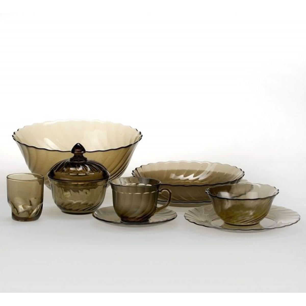 Набор столовой посуды Luminarc Ocean Eclipse, 44 предметаH0250Набор Luminarc Ocean Eclipse состоит из 6 суповых тарелок, 6 обеденных тарелок, 6 десертных тарелок, глубокого салатника, 6 малых салатников, сахарницы, 6 чашек, 6 блюдец, 6 стаканов. Изделия выполнены из ударопрочного стекла, имеют яркий дизайн с рельефным рисунком по краям и классическую круглую форму. Посуда отличается прочностью, гигиеничностью и долгим сроком службы, она устойчива к появлению царапин и резким перепадам температур. Такой набор прекрасно подойдет как для повседневного использования, так и для праздников или особенных случаев. Набор столовой посуды Luminarc Ocean Eclipse - это не только яркий и полезный подарок для родных и близких, а также великолепное дизайнерское решение для вашей кухни или столовой. Можно мыть в посудомоечной машине и использовать в микроволновой печи. Диаметр суповой тарелки: 20 см. Высота суповой тарелки: 4,5 см. Диаметр обеденной тарелки: 24 см. Высота обеденной...