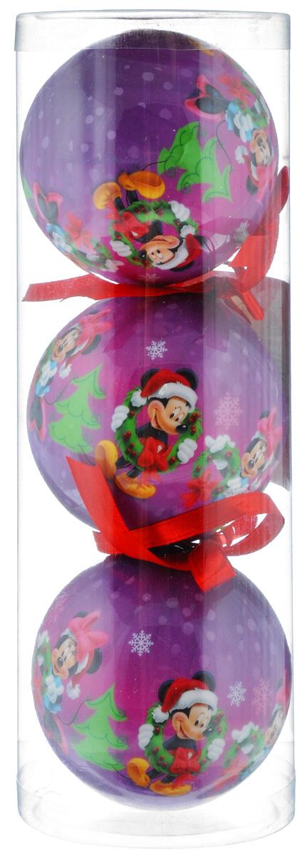 Набор новогодних подвесных украшений Disney Микки и Минни, цвет: фиолетовый, диаметр 7,5 см, 3 шт66351_3Набор новогодних подвесных украшений Disney Микки и Минни прекрасно подойдет для праздничного декора ели. Набор состоит из 3 украшений в виде шаров, изготовленных из пенопласта и украшенных ярким рисунком. Для удобного размещения на елке для каждого украшения предусмотрена петелька. Елочная игрушка - символ Нового года. Она несет в себе волшебство и красоту праздника. Создайте в своем доме атмосферу веселья и радости, украшая новогоднюю елку нарядными игрушками, которые будут из года в год накапливать теплоту воспоминаний. Откройте для себя удивительный мир сказок и грез. Почувствуйте волшебные минуты ожидания праздника, создайте новогоднее настроение вашим дорогим и близким.