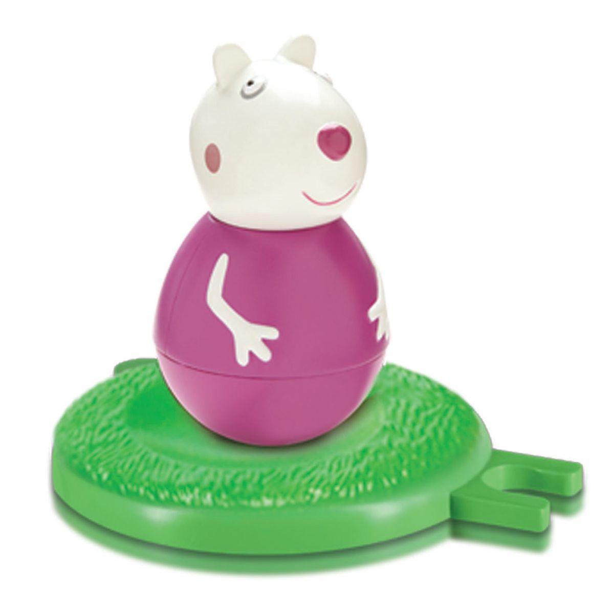 Peppa Pig Неваляшка Овечка Сьюзи28806Неваляшка Peppa Pig Овечка Сьюзи, созданная по мотивам мультсериала Peppa Pig привлечет внимание вашего малыша и станет для него любимой игрушкой. Качайте ее в разные стороны, а она никогда не упадет. Веселая игра с ней развивает у детей координацию движений, тренирует цветовосприятие и мышление. В наборе вы найдете неваляшку Овечку Сьюзи и игровое поле, на котором неваляшка будет проделывать свои пируэты, игровое поле совместимо с полями других неваляшек Peppa Pig. Соберите коллекцию неваляшек в виде любимых героев мультфильма «Свинка Пеппа» и устраивайте веселые игры с малютками!