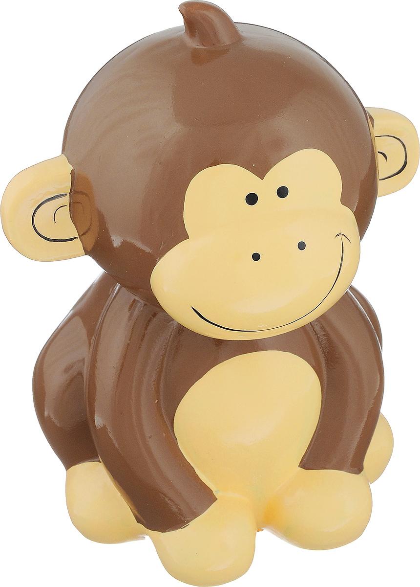 Копилка декоративная Sima-land Мартышка1053686Декоративная копилка Sima-land Мартышка изготовлена из высококачественной керамики в виде обезьяны. Сверху имеется прорезь для монет. На дне расположен клапан, через который можно достать деньги. Яркий оригинальный дизайн сделает такую копилку прекрасным подарком. Она послужит не только по своему прямому назначению, но и красиво дополнит интерьер комнаты.