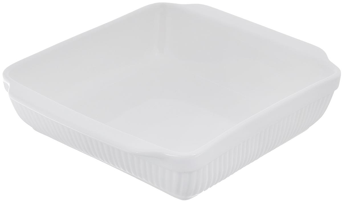 Блюдо для запекания BergHOFF Bianco, прямоугольное, цвет: белый, 30 см х 24 см1691077Блюдо для выпечки BergHOFF Bianco изготовлено из фарфора, что обеспечивает оптимальное распределение тепла. Оно может быть использовано, как для запекания различных блюд, так и для их подачи на стол. Блюдо станет отличным дополнением к вашему кухонному инвентарю, а также украсит сервировку стола и подчеркнет ваш прекрасный вкус. Подходит для использования в СВЧ и духовом шкафу. Можно мыть в посудомоечной машине. Размер по верхнему краю (без учета ручек): 25 см х 24 см. Размер по верхнему краю (с учетом ручек): 30 см х 24 см. Высота стенки: 7 см.