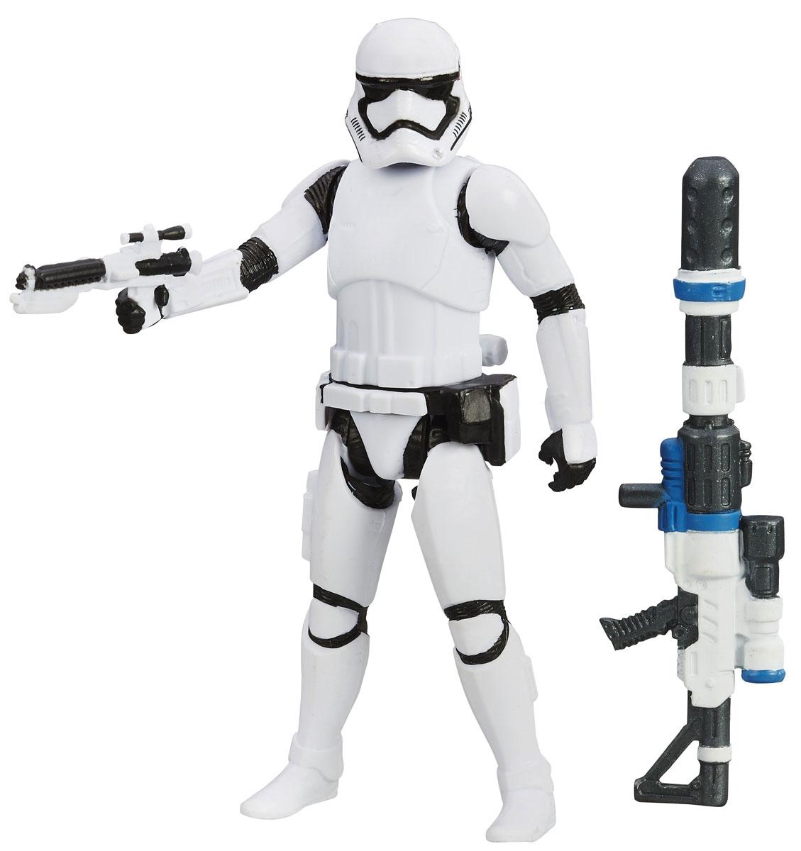 Star Wars Фигурка First Order StormtrooperB3963EU4_B3964Фигурка First Order Stormtrooper выполнена из пластика в виде героя фантастического кинофильма Звездные Войны: Пробуждение Силы Штурмовика. Штурмовики - это подопечные Дарта Вейдера, элитные воины Галактической империи. Они всегда одеты в крепкую броню белого цвета, вооружены очень мощным оружием. Штурмовики - это само воплощение воли Первого порядка. Фигурка в точности повторяет образ киногероя. Мощное снаряжение дополняет оружие в руках героя. Такая фигурка непременно понравится поклоннику Звездных войн и станет замечательным украшением любой коллекции.