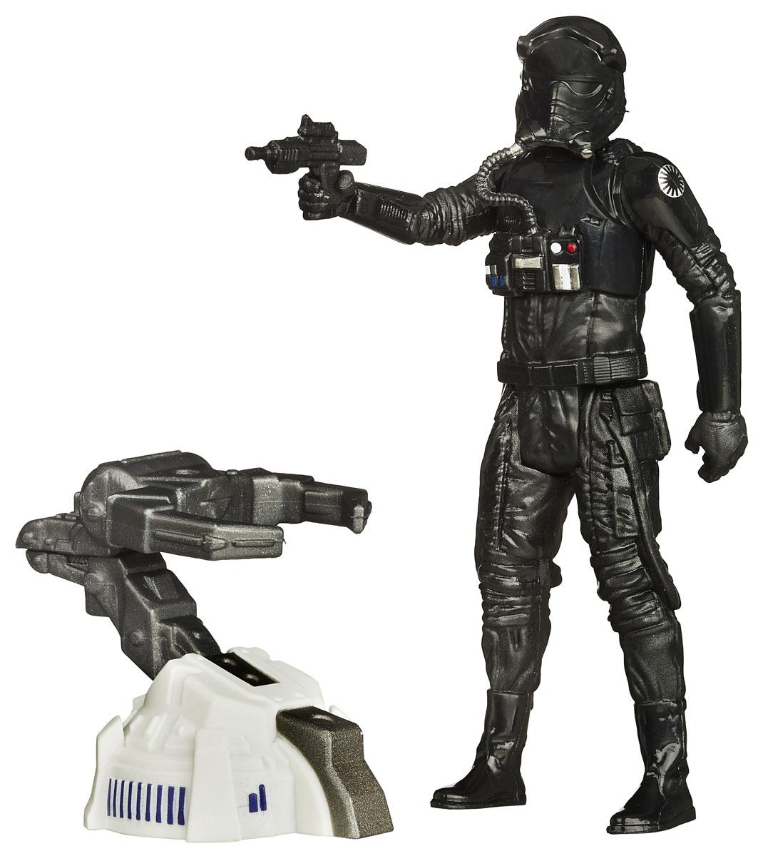 Star Wars Фигурка First Order Tie Fighter PilotB3445EU4_B3450Фигурка Tie Fighter Pilot создана в виде героя всеми любимой фантастической саги Звездные Войны. Фигурка из пластика проработана до мельчайших деталей и является точной копией своего прототипа в уменьшенном размере. Конечности фигурки подвижны: поворачивается голова, сгибаются ноги и руки. Все это сделает игру реалистичной и разнообразной. Герой Tie Fighter Pilot - опытный пилот первого порядка, который на передовом истребителе выслеживает вражеские суда и защищает пространство вокруг установок и военных кораблей. Такая фигурка непременно понравится поклоннику Звездных войн и станет замечательным украшением любой коллекции. В наборе: фигурка и снаряжение.