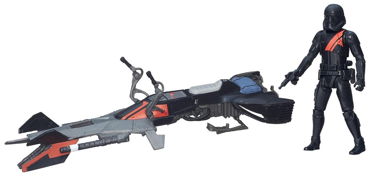 Star Wars Игровой набор Elite Speeder Bike & StormtrooperB3716EU4_B3718Игровой набор Игровой набор Elite Speeder Bike & Stormtrooper включает в себя героя всеми любимой фантастической саги Звездные Войны Штурмовика и его транспортное средство. Штурмовики - это подопечные Дарта Вейдера, элитные воины Галактической империи. Они всегда одеты в крепкую броню белого цвета, вооружены очень мощным оружием. Штурмовик управляет гравициклом, который предназначается только для самых опытных разведчиков, участвующих в самых серьезных и опасных миссиях. Такой набор непременно понравится поклоннику Звездных войн и станет замечательным украшением любой коллекции. В наборе: фигурка и гравицикл.