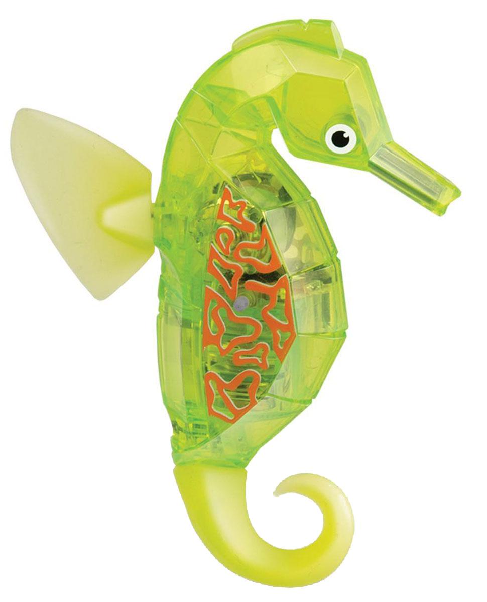 Hexbug Микро-робот Морской конек цвет салатовый460-4088_3Hexbug Seahorse (Морской конек) - это новинка в линейке Aquabot. Микро-робот Морской конек плавает в толще воды, время от времени погружается глубже и всплывает к поверхности, светится встроенным светодиодом. Через пять минут засыпает и уходит в сон, для продолжения игры нужно постучать по аквариуму или вынуть игрушку из воды и погрузить снова. Умная технология, воплощенная в микророботах Hexbug, позволяет без проблем содержать водных обитателей у себя дома или в офисе, украсив комнату или сделав детскую игру еще более занимательной. Подарите другу оригинального микроробота или познакомьте своего ребенка с животным миром тропических морей: морской конек понравится всем. Просто опустите своего питомца в воду, и он моментально задвигает своими плавничками, а спустя пять минут самостоятельно остановится, и оживет от стука по стенке аквариума. Забавный микроробот работает от двух батареек AG-13, которые входят в комплект.