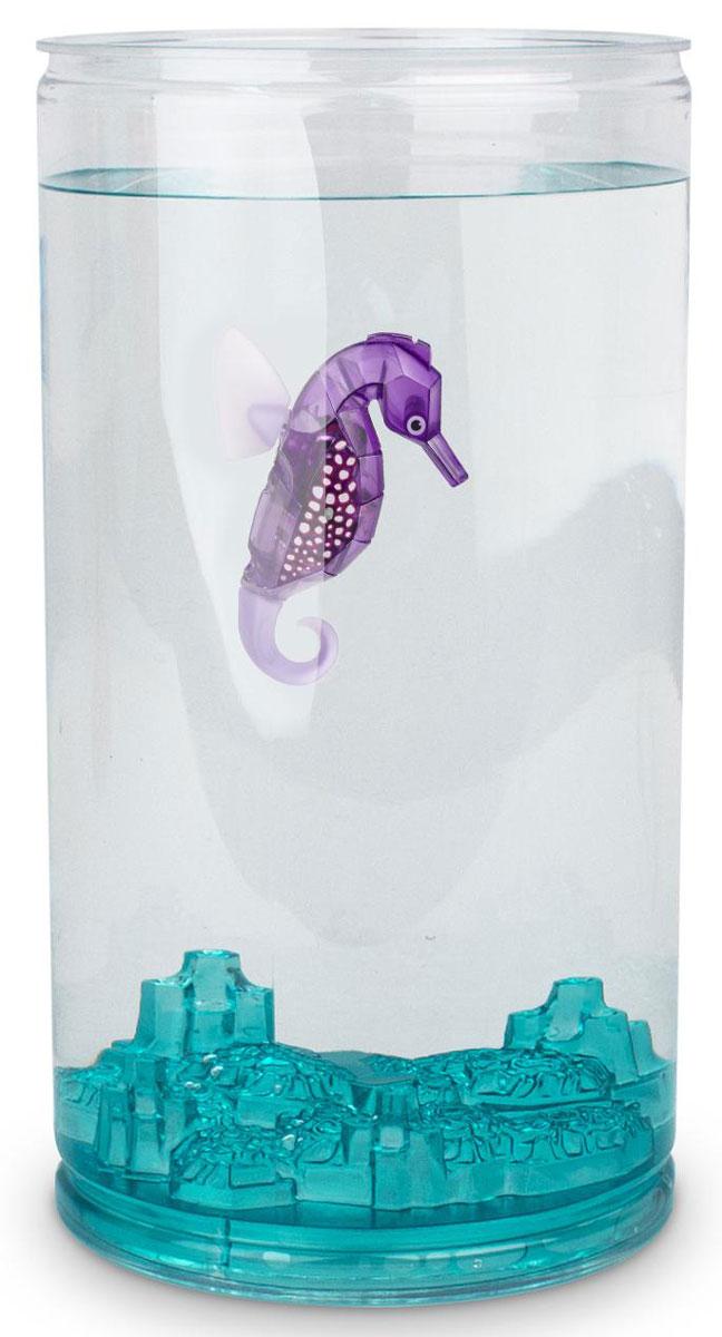 Hexbug Игровой набор Морской конек с большим аквариумом цвет фиолетовый460-4226_2Набор Aqua Bot Морской конек с аквариумом это микроробот «Aquabot Морской конек» и пластиковый аквариум для него. Микро-робот Морской конек является новинкой в линейке Aquabot. Он плавает в толще воды, время от времени погружается глубже и всплывает к поверхности, светится встроенным светодиодом. Через пять минут засыпает и уходит в энергосберегающий режим, для продолжения игры нужно постучать по аквариуму или вынуть игрушку из воды и погрузить снова.