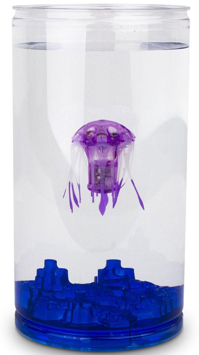 Hexbug Игровой набор Медуза с аквариумом цвет фиолетовый460-4227_2Hexbug Jellyfish with Tank (Медуза с Аквариумом) - набор, который включает в себя небольшой круглый аквариум и одну Медузу. Комплектация может различаться и включать в себя Медузы разного цвета. Опустите Медузу в аквариум с водой и она начнет плавать. После 5 минут непрерывного плавания Медуза уснет. Для продолжения игры просто постучите по стенке аквариума.