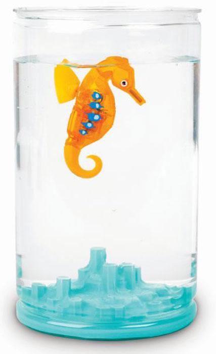 Hexbug Игровой набор Морской конек с аквариумом цвет оранжевый460-4309Hexbug Seahorse with Tank (Морской конек с аквариумом) - набор, включающий в себя небольшой круглый аквариум с одним Морским коньком. Комплектация может различаться и включать в себя Морских коньков разного цвета. Морской конек станет верным другом и сможет украсить дом или офис. Тщательного ухода и кормления он не требует. Морской конек умеет светиться в темноте, а также реагирует на звук: примерное время бодрствования составляет около 5 минут, затем он замирает, для его пробуждения достаточно постучать по стенке аквариума и Морской конек моментально оживет.