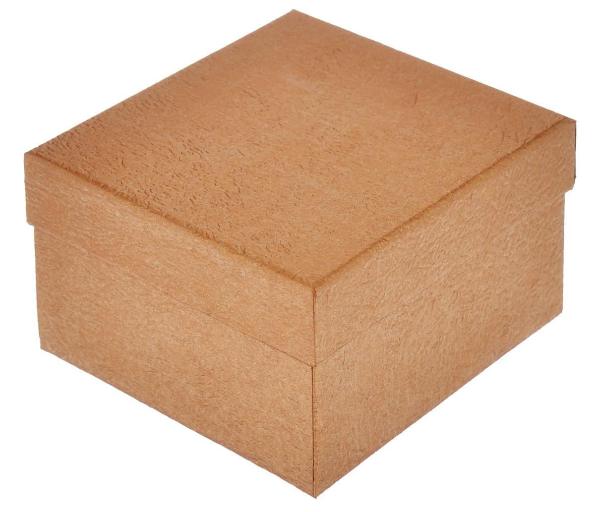 Подарочная коробка Феникс-презент, цвет: золотисто-коричневый, 9 см х 9,5 см х 6 см36293Подарочная коробка Феникс-презент выполнена из мелованного, негофрированного картона. Вместительная коробка закрывается крышкой. Подарочная коробка - это наилучшее решение, если вы хотите порадовать ваших близких и создать праздничное настроение, ведь подарок, преподнесенный в оригинальной упаковке, всегда будет самым эффектным и запоминающимся. Окружите близких людей вниманием и заботой, вручив презент в нарядном, праздничном оформлении.