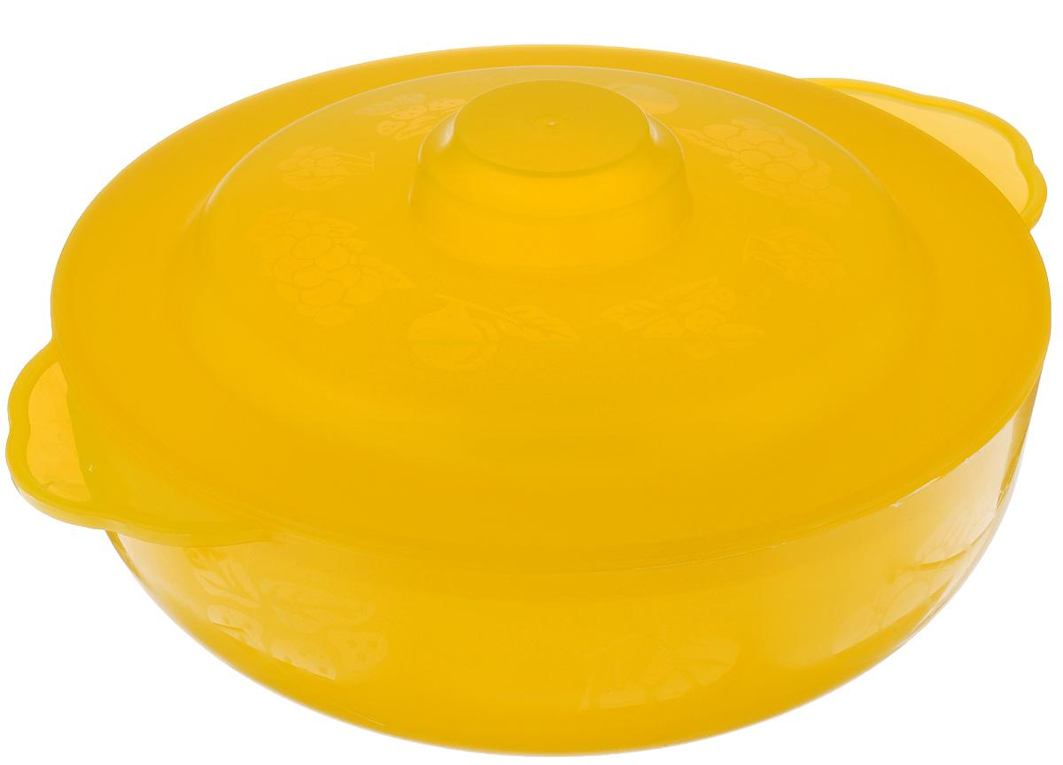Чаша Альтернатива Хозяюшка, с крышкой, цвет: желтый, 2,5 лM576Чаша Альтернатива Хозяюшка, изготовленная из высококачественного пластика, декорирована изображением фруктов. Изделие оснащено крышкой и подходит для повседневного использования. Такая чаша отлично подойдет для сервировки стола, а также в ней можно подавать салаты. Приятный дизайн чаши подойдет практически для любого случая. Диаметр: 22 см. Ширина (с учетом ручек): 27 см. Высота стенки: 7,5 см. Объем: 2,5 л.