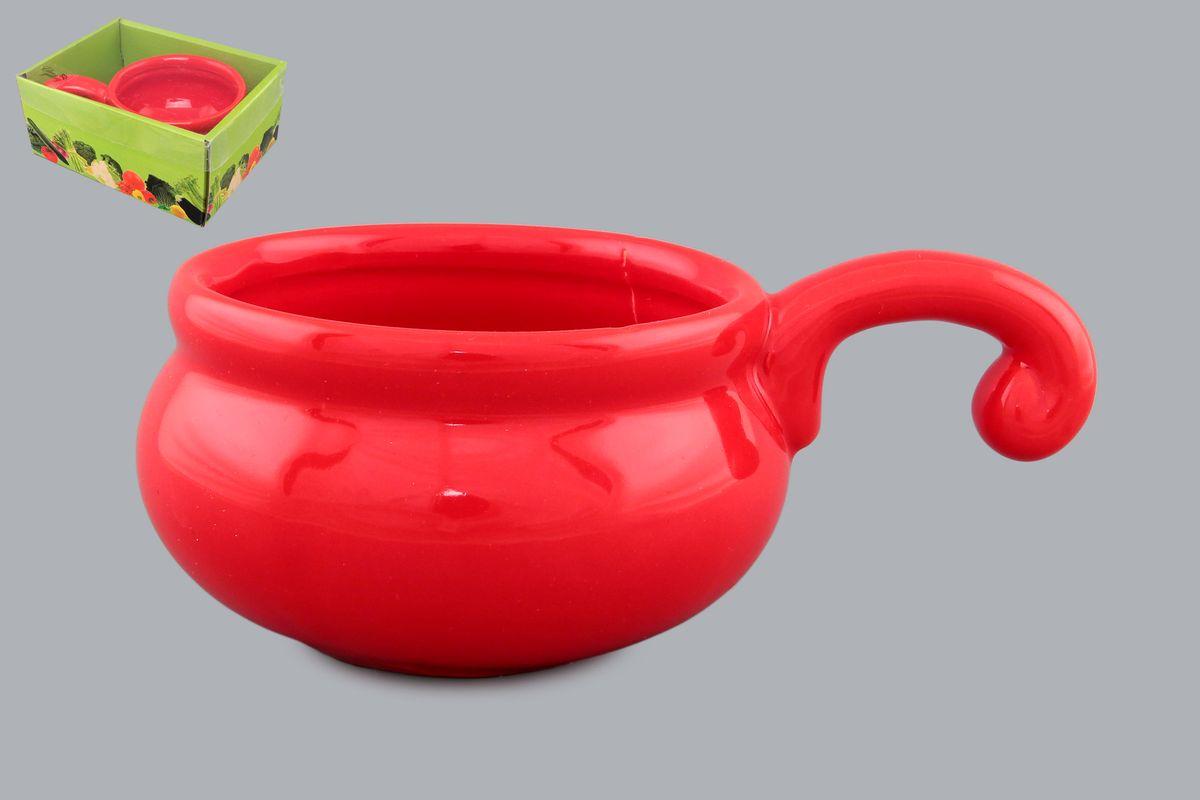 Жюльенница-кокотница Elan Gallery, цвет: красный, 260 мл110769Жюльенница-кокотница Elan Gallery, изготовленная из жаропрочной керамики, предназначена для приготовления и подачи небольших порций мясных или овощных блюд, а также соусов, закусок и десертов. Керамическая посуда не только быстро нагревается, но и сохраняет тепло дольше, чем посуда из других материалов. Используйте это преимущество посуды и подавайте блюда к столу прямо в тех же емкостях, в которых вы их приготовили - блюда будут долго оставаться горячими. Высота: 5,5 см. Диаметр (по верхнему краю): 9 см. Толщина дна: 4 мм. Толщина стенок: 4 мм.