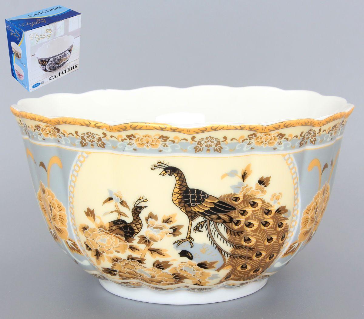 Салатник Elan Gallery Павлин, 850 мл. 740122740122Великолепный салатник с волнистым краем Elan Gallery Павлин, изготовленный из высококачественной керамики, прекрасно подойдет для подачи различных блюд: закусок, салатов или фруктов. Такой салатник украсит ваш праздничный или обеденный стол, а оригинальное исполнение понравится любой хозяйке. Диаметр салатника (по верхнему краю): 16 см. Высота салатника: 10 см. Объем салатника: 850 мл.